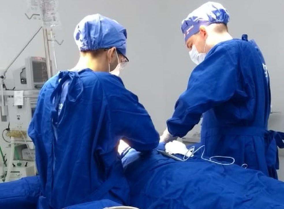 Nova lei do DF garante direito a acompanhante para pacientes após cirurgia de retirada de mama